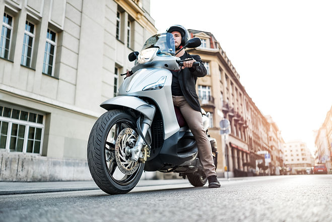 SCOOTER COMMUTING (13).jpg