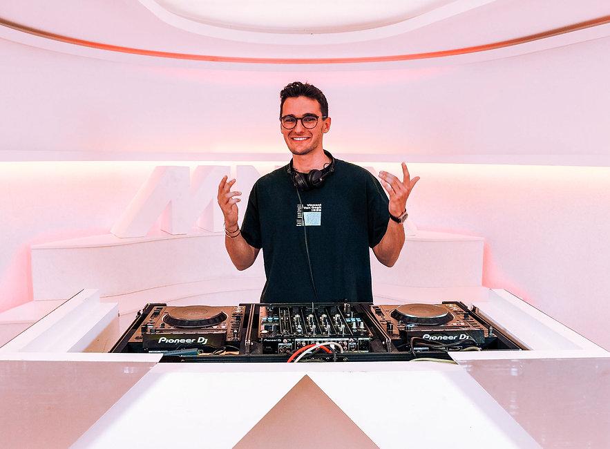 DJ Radio MNM VRT All-Round Party