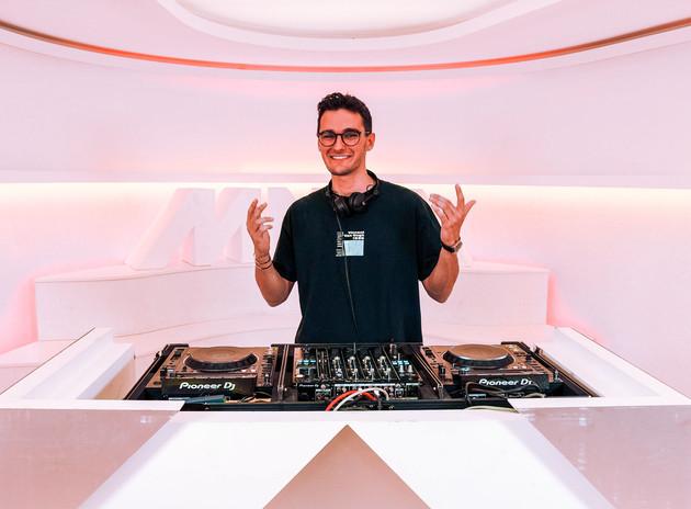 DJ RADIO MNM