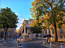 Place des Quatre-Dauphins Aix