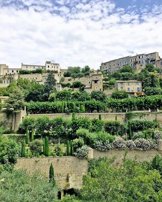 Gordes, France 🇫🇷 ._._._._._._.jpg