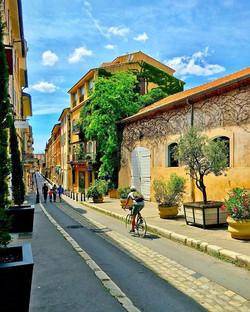 beautiful street in Aix en provence