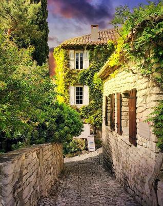 Séguret, France 🇫🇷 ._._._._._._.jpg