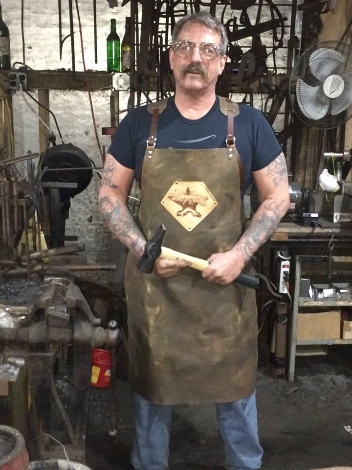Customer in Forge-apron