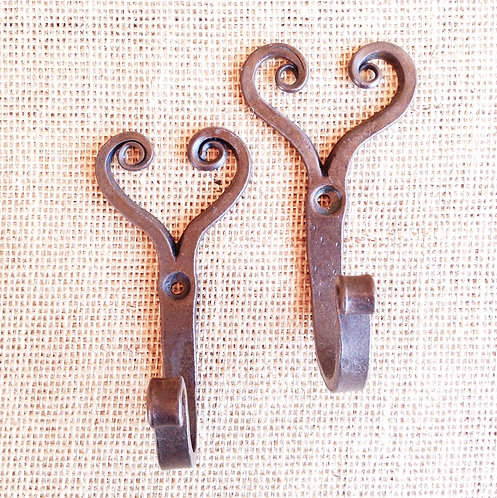 Hook- Heart Antique style