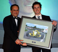 Danny Watts receives his Avon Tyres F3 award painting, 2003