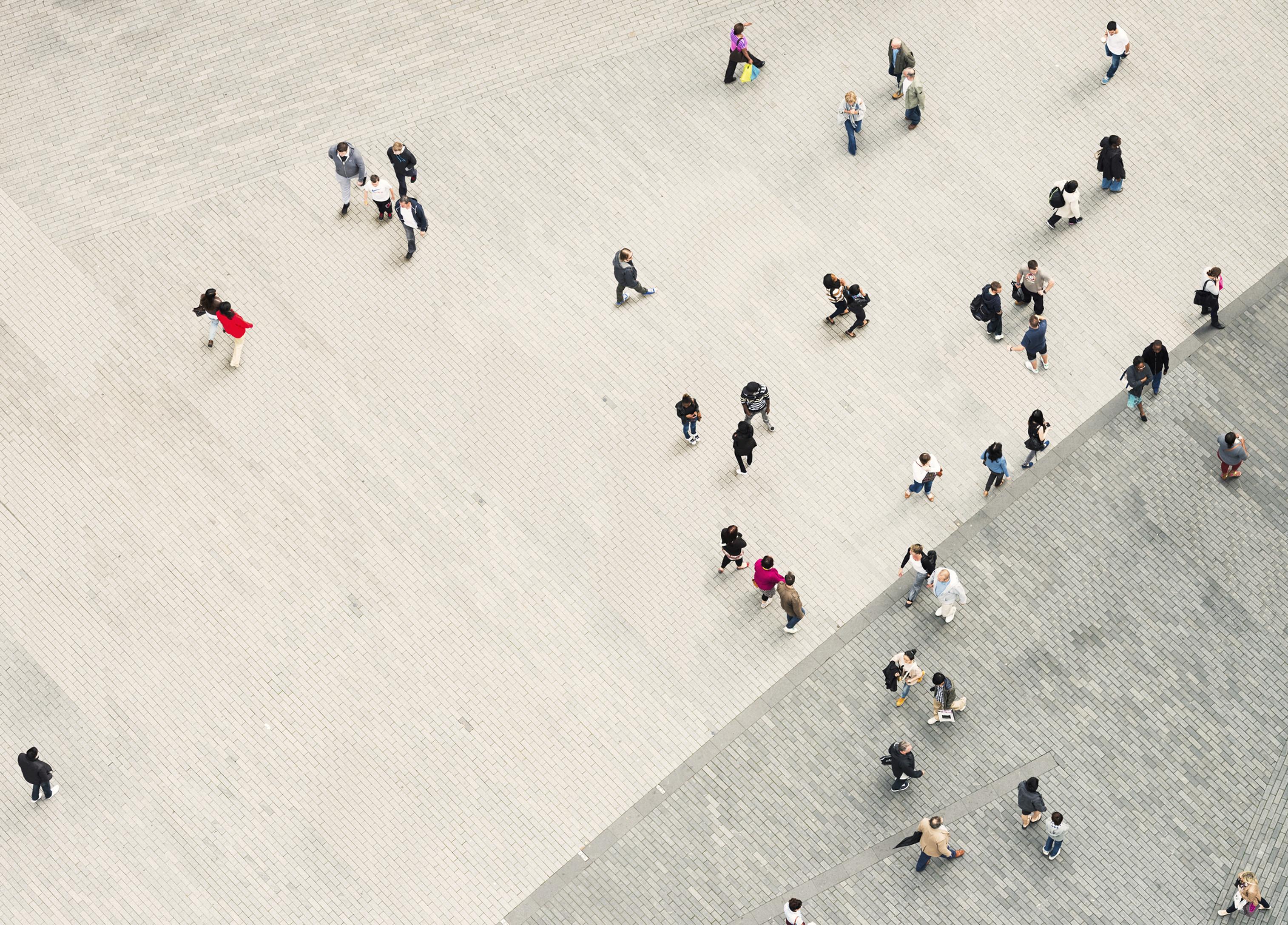 La gente che cammina