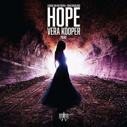 Hope - Vera Kooper plays Beethoven and Corigliano