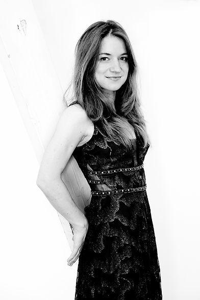 Vera Kooper by Sarah Wijzenbeek 4 (bw).j