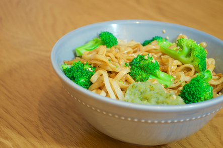 Vegetarian stir fry noodles with Gifty's® Cucumber Chilli Relish