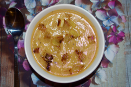 Leek and potato soup with Gifty's® Apple Chilli Relish