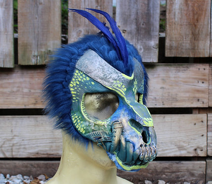 Feathered Toothy Skull Mask