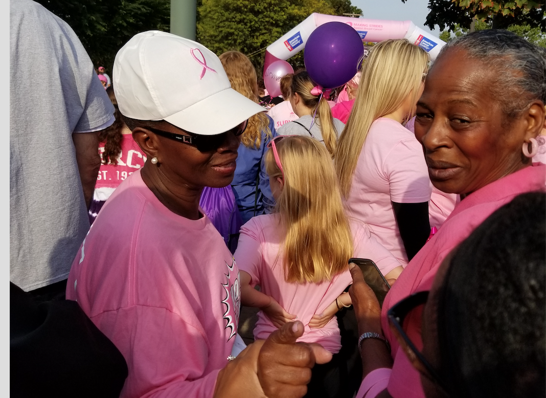 breastcancer-walk-hood
