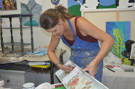 Classes & Workshops on Chalk Paint and Furniture Painting