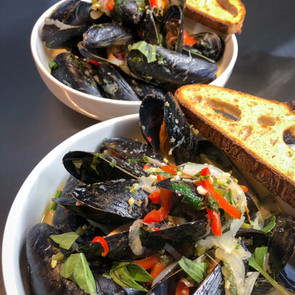Mussels in Coconut Milk and Lemongrass