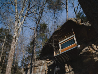 Climb a Floating Staircase to the First Cliff-Mounted Treehouse Rental in Red River Gorge