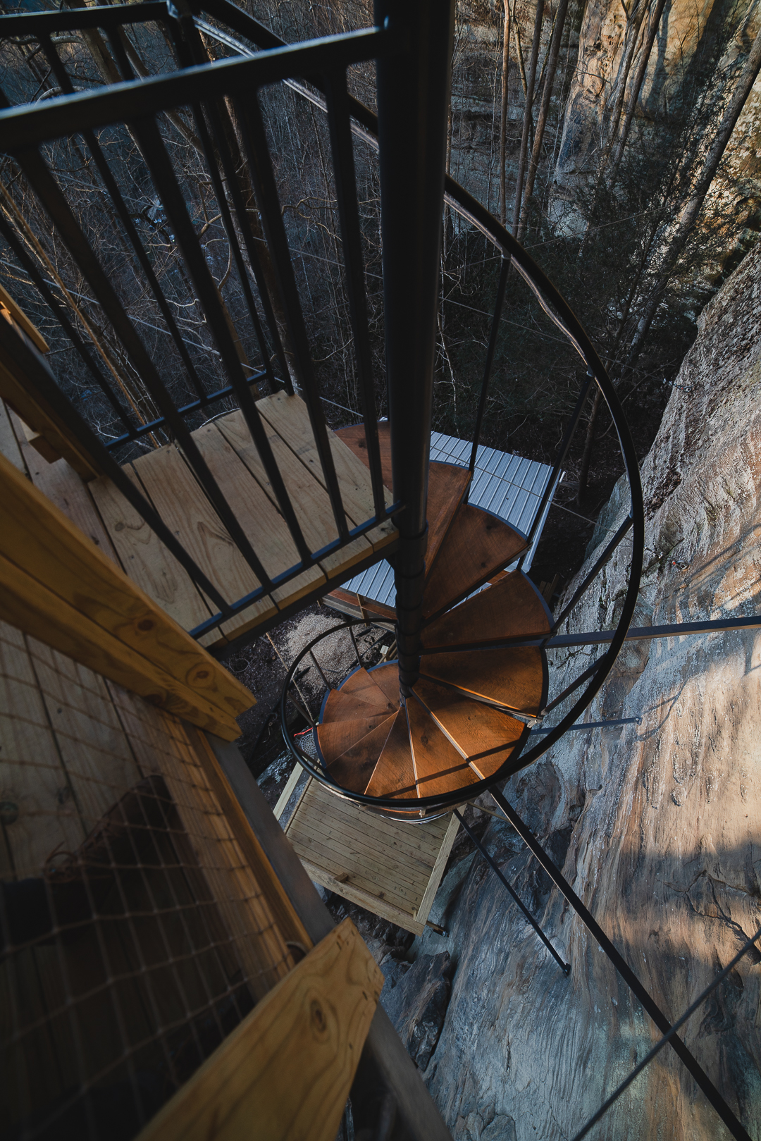 Cliff Dweller Treehouse