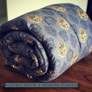 Weighted Blanket www.raybyraycrafts.com