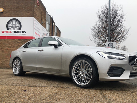 BRAND NEW VOLVO S90 R DYNAMIC T4 IN FOR FITTING!