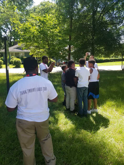 Academy Students Untangle the Human Knot