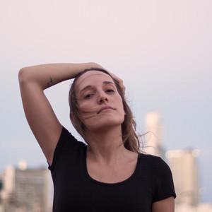 """Carolina Donati estrena su nuevo single """"Pasaje Directo"""" junto a El Zar"""