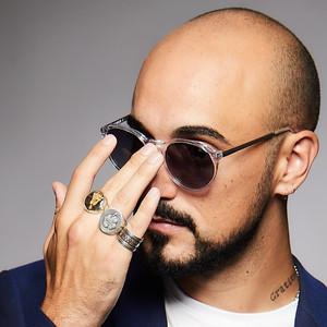 Abel Pintos estrenó nuevo tema y anunció gira de shows