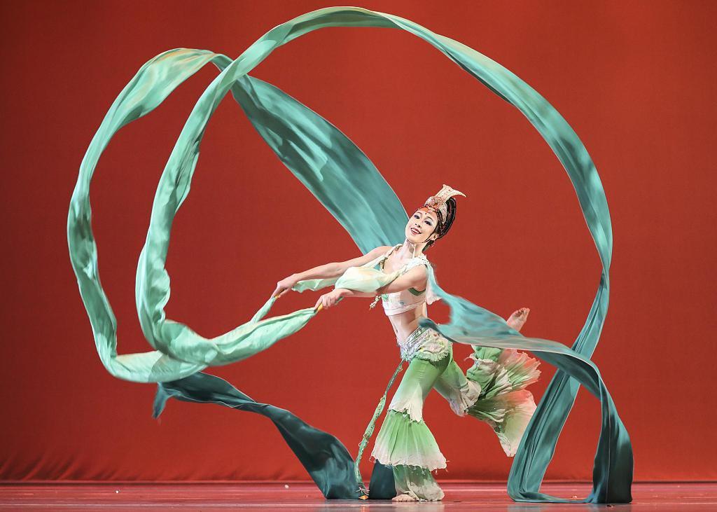 Курсы дунхуанского танца