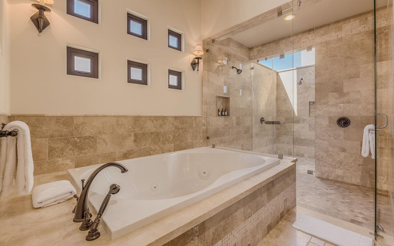 Atrium Suite Bath