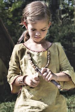 Dívenka z mladší doby kamenné