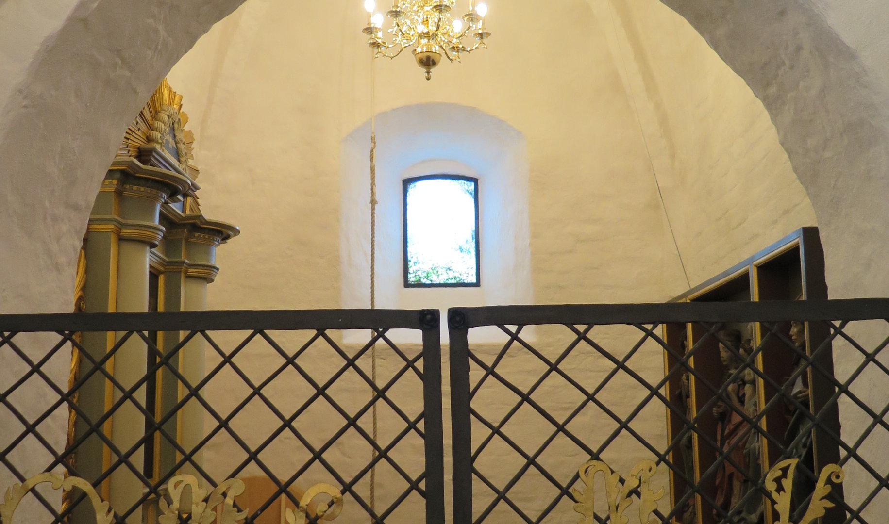 Glasmaleri med babelstårnet.