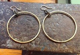 Brass hoops with onyx chain