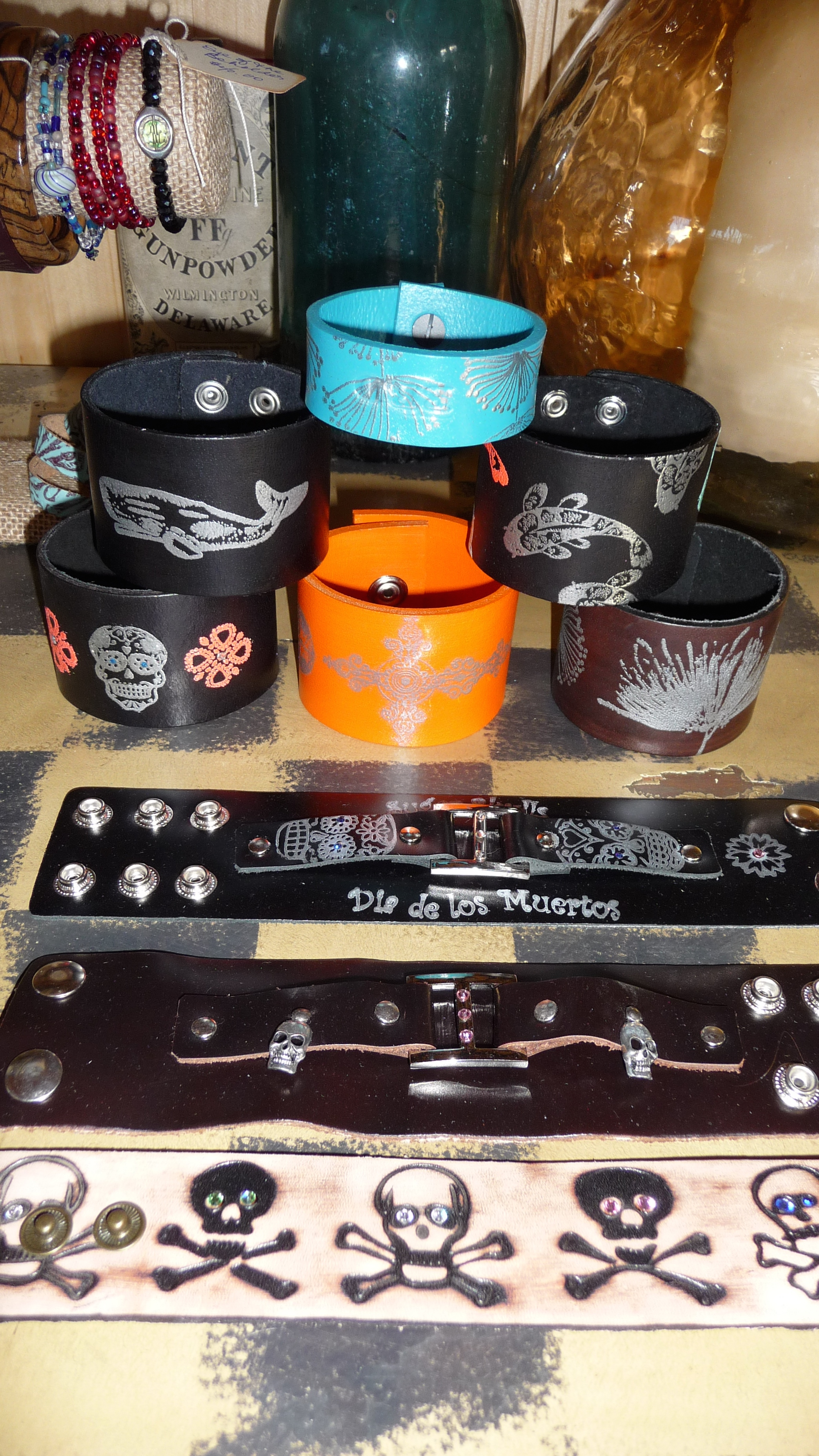 Customize your own cuffs and colors!