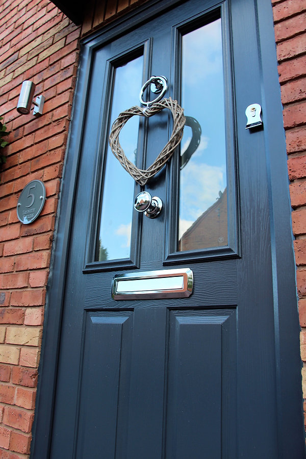 Bespoke design Soidor composite door Kidderminster. High Security composite door. Ulton high seurity locks. Front door replacment Kidderminstr, Hagley, Blakdown uPVC modern flush sash windows in Kidderminster. The residence collection new uPVC windows and doors Worcestershire,modern window upgrades kiddermister, Anthracite grey windows and doors, new modern upvc windows, hig quality window installers kidderminster, R7 installers kidderminster, flush sash window installers