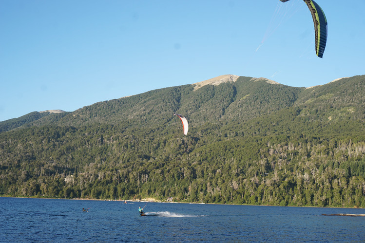 Kitesurf en el lago Nahuel Huapi