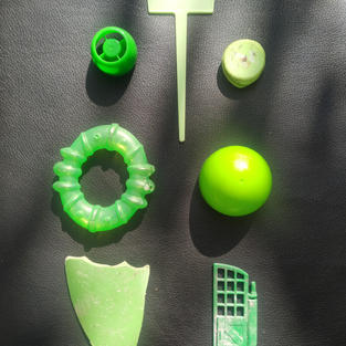 Green miscellaneous objects
