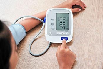 ¿Porque es importante medir mi presión arterial con un profesional de la salud?