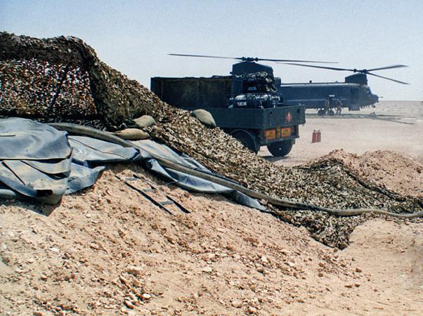RAF Chinook desert refuelling, Oman