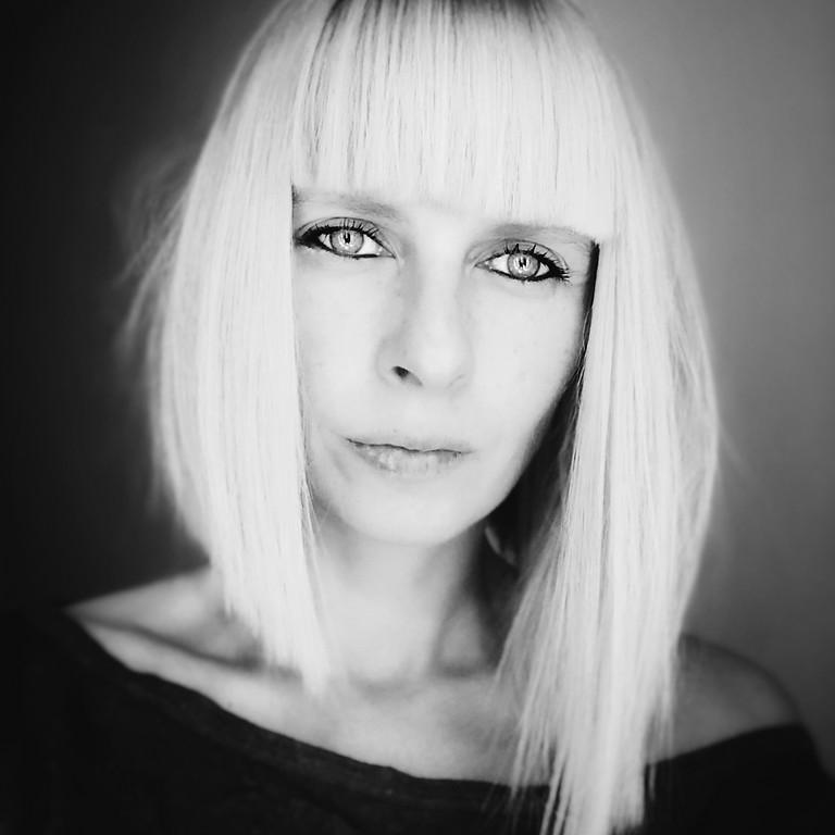Art Fridays: Studio Conversations with Ioana Moldovan