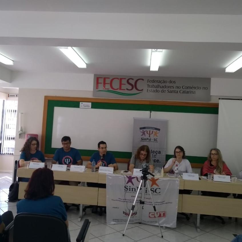 Foto debate mesa 2