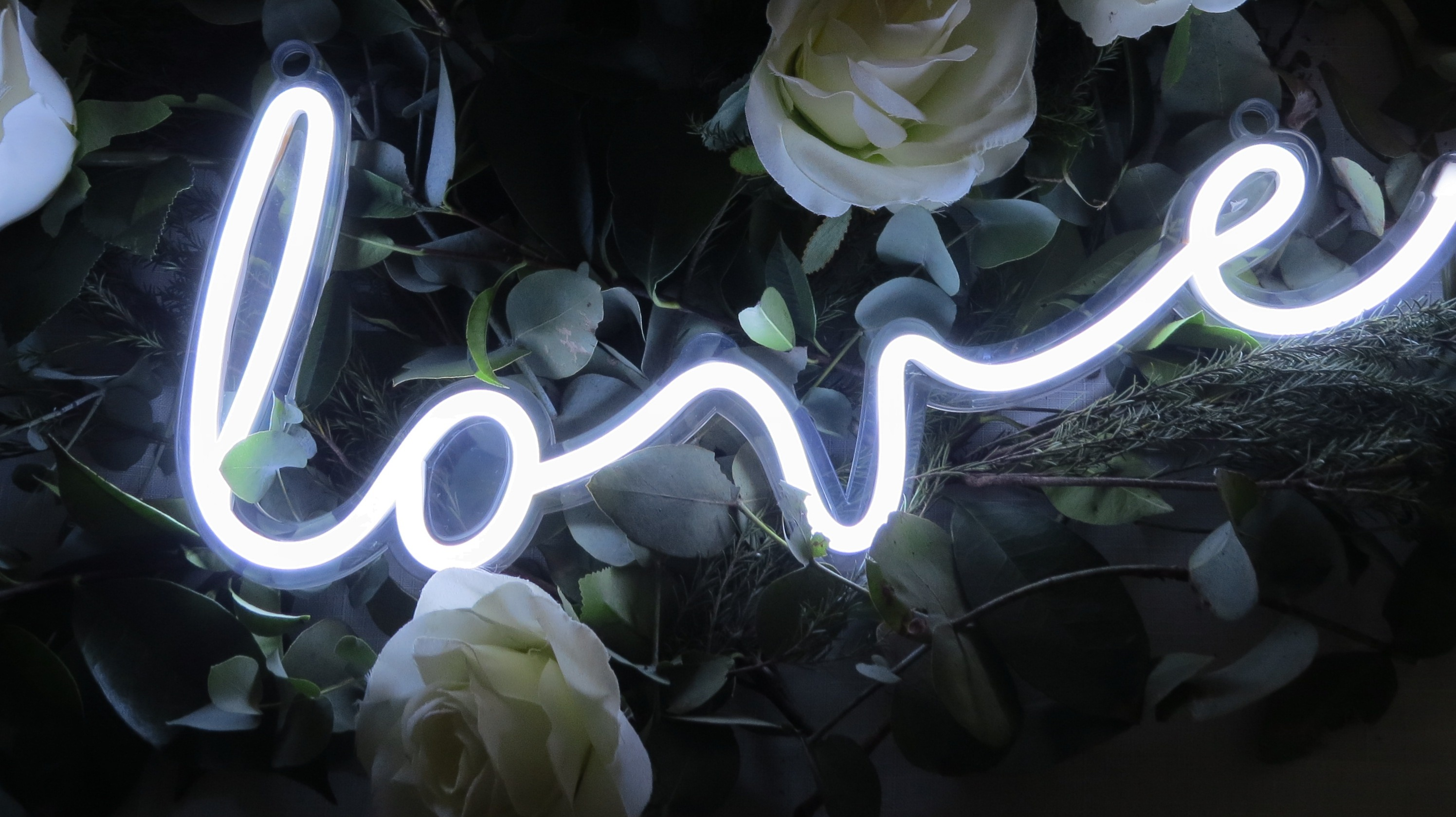 LOVE-WHITE-SMALL-NEON SIGN