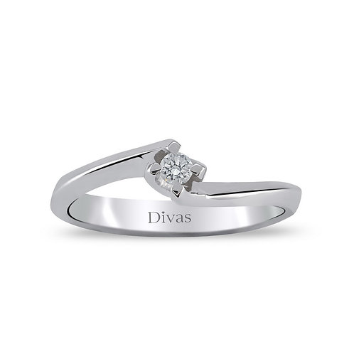 Diamond Solitaire Twisted Ring