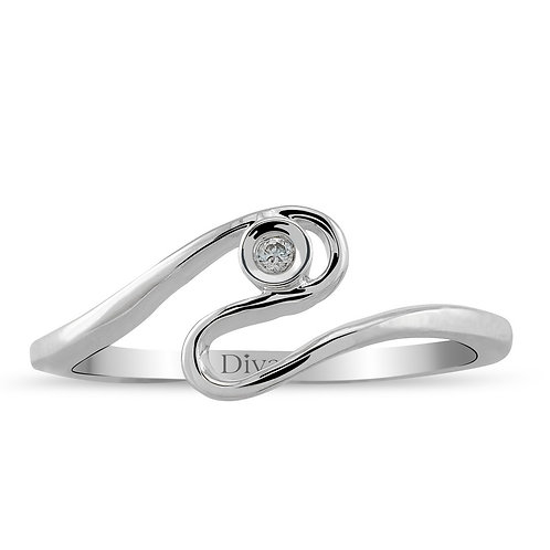 Solitaire Diamond Waved Ring