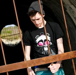 Crabby Bear Men's T-shirt