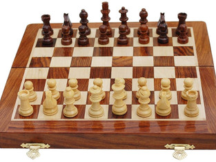 Best Chess Handmade Magnetic Wooden Folding Chess Board with Extra queen & Storage for Chessmen