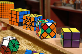 magic-cube-232282_1920.jpg