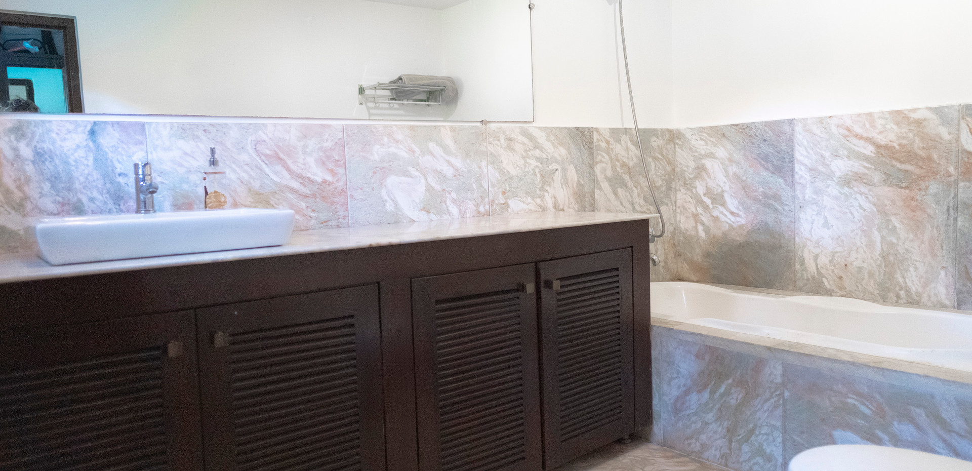 Master Bedroom Attached Bathroom