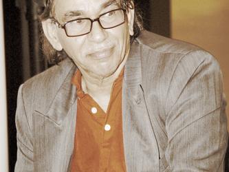 علي الشرقاوي.. حبٌ على شكل قصيدة