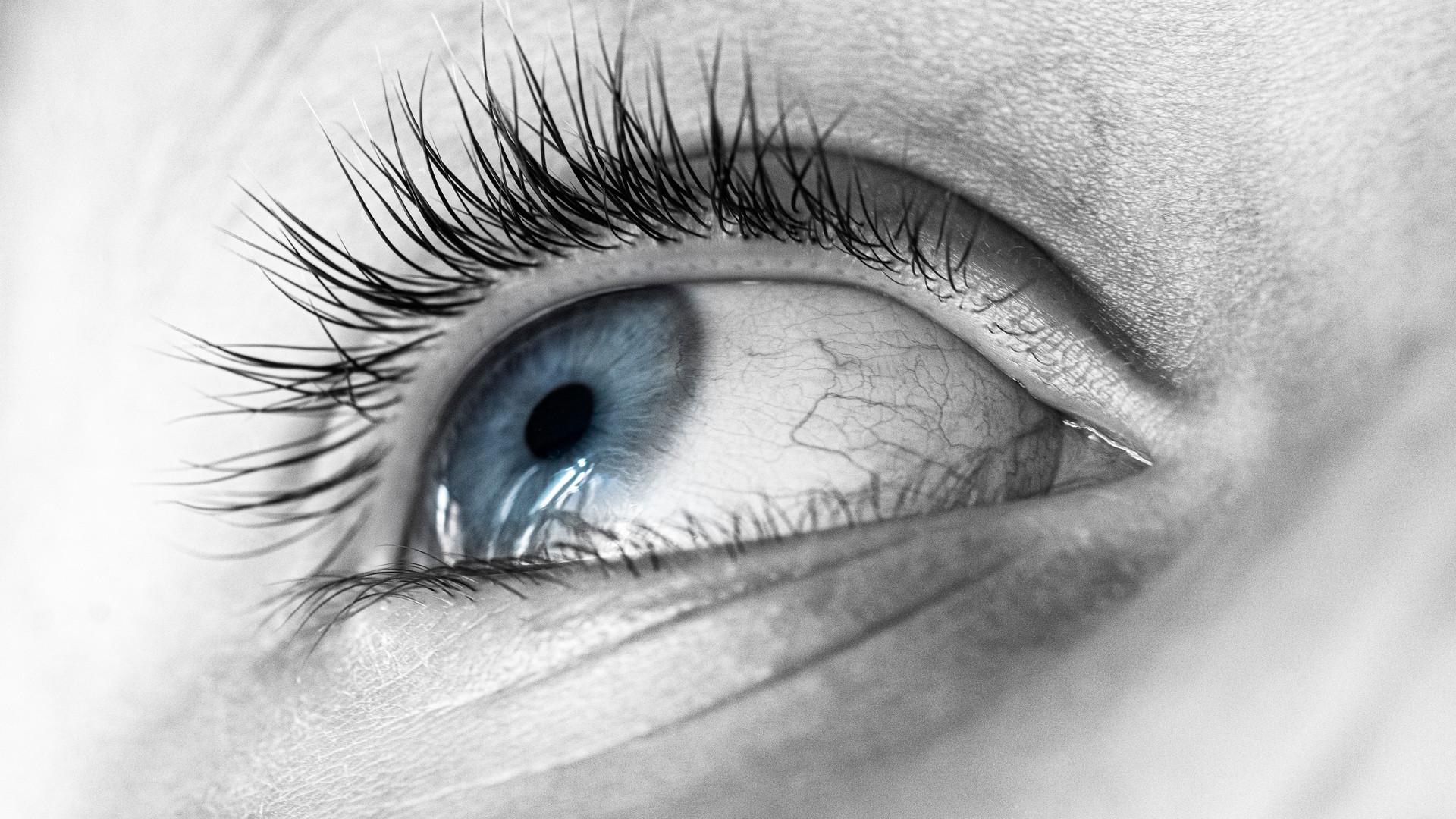 Eye Left