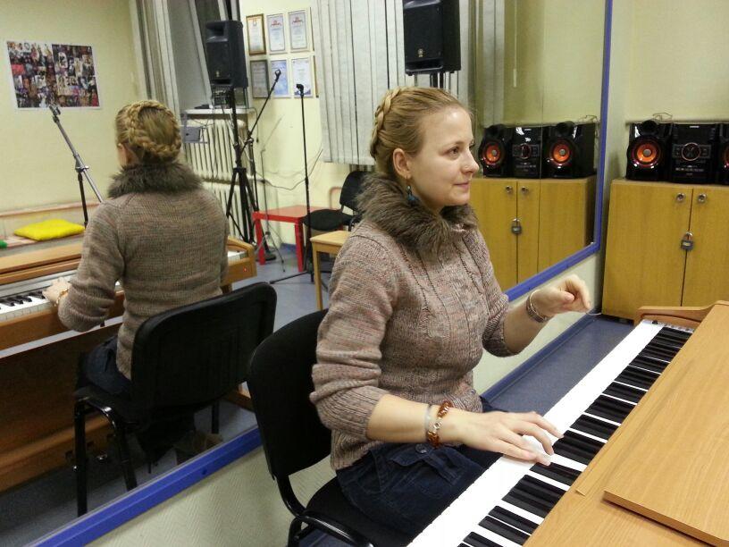 На уроках эстрадного вокала