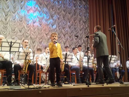 """Ах, отличный концерт, Касьян выступил с джаз-бэндом """"Амадеус"""" рук. Валерий Евсюгов"""